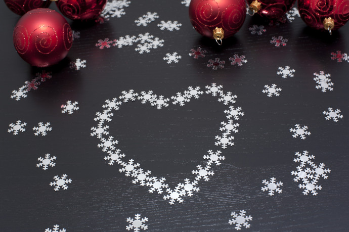 Christmas snowflake heart