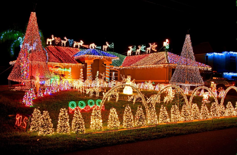 christmaslightshous141210-08