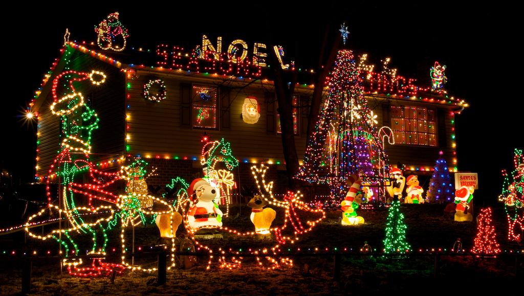 christmaslightshous141210-09