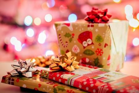 クリスマスプレゼントのラッピング方法を紹介!100均のおすすめ箱と袋とリボン