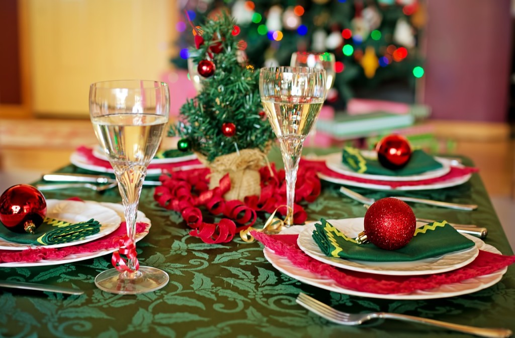 christmas-table-1909797_1280