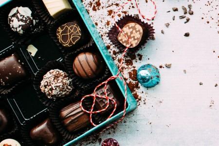 クリスマスプレゼントに人気のチョコレート10選!高級ショコラからお手頃なものまで